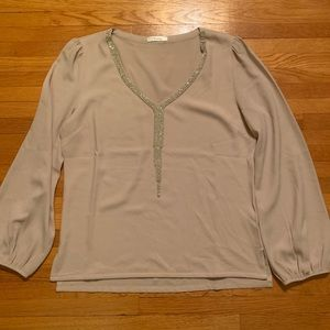 NWOT Esley beige rhinestone shirt size medium
